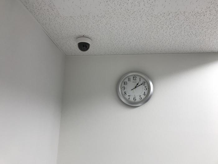 No.050 研修会場の壁掛け時計